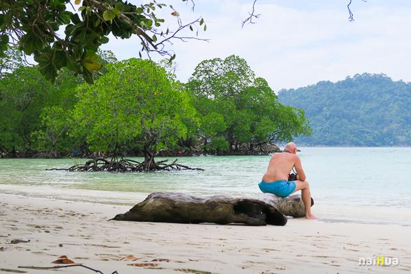หาดไม้งาม หมู่เกาะสุรินทร์